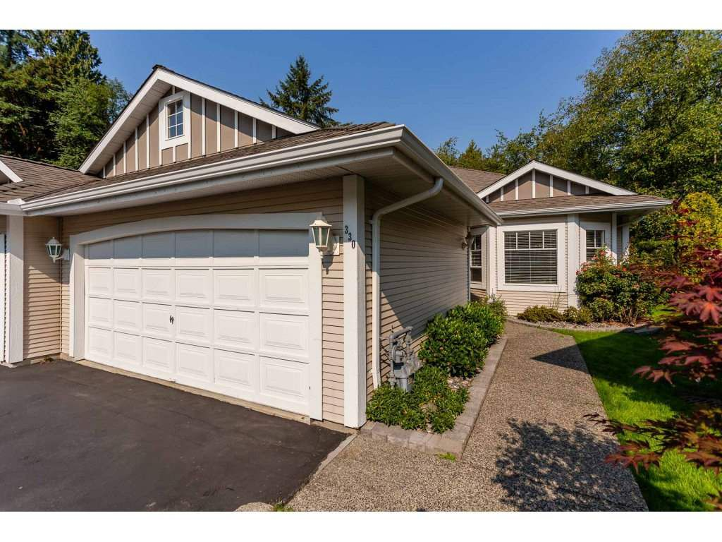 """Main Photo: 330 20655 88 Avenue in Langley: Walnut Grove Townhouse for sale in """"Twin Lakes"""" : MLS®# R2300947"""