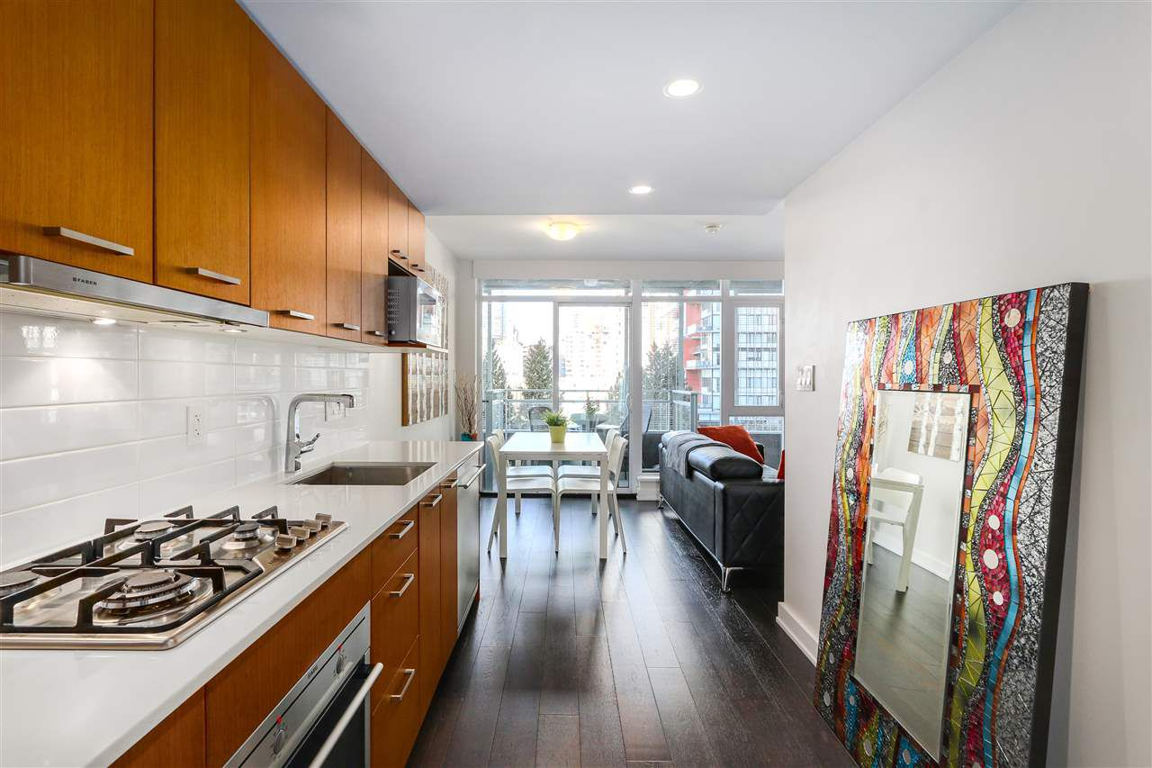 "Main Photo: 712 1372 SEYMOUR Street in Vancouver: Downtown VW Condo for sale in ""THE MARK"" (Vancouver West)  : MLS®# R2366295"
