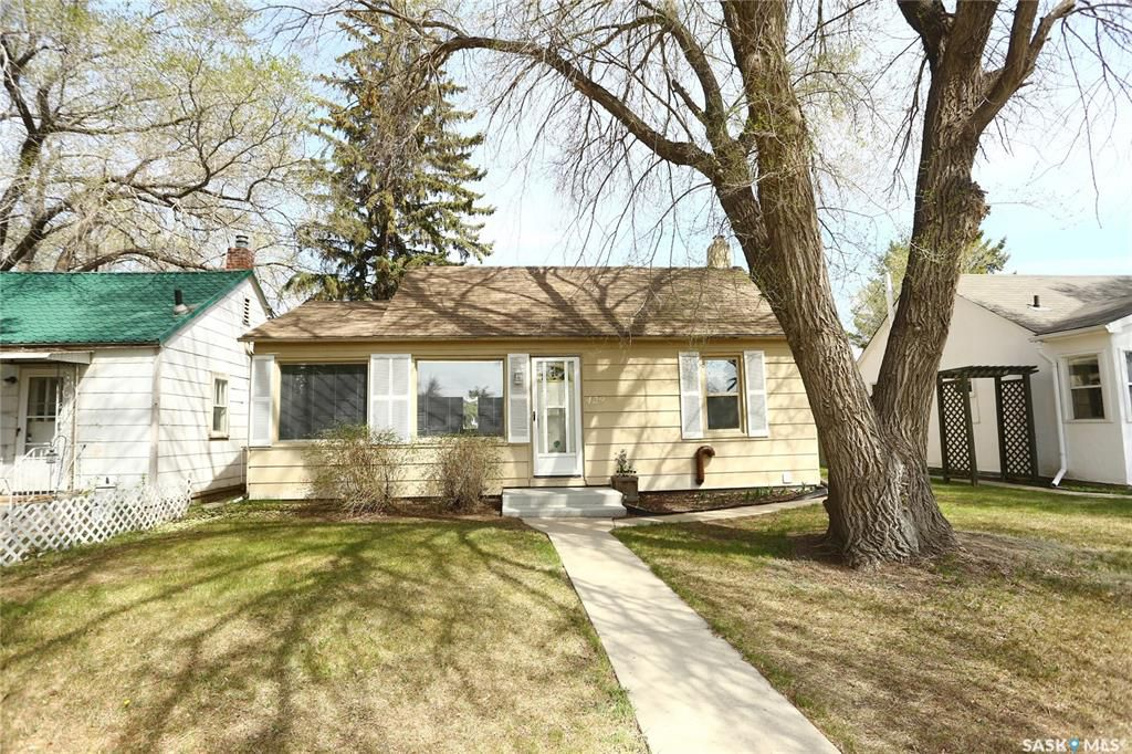 Main Photo: 429 Taylor Street East in Saskatoon: Buena Vista Residential for sale : MLS®# SK771958