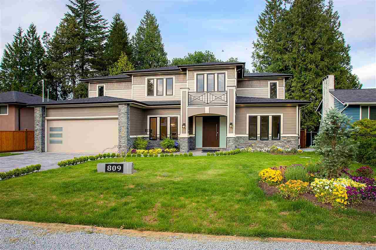 Main Photo: 809 CRESTWOOD Drive in Coquitlam: Harbour Place House for sale : MLS®# R2376330