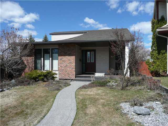 Main Photo: 240 CEDARDALE Bay SW in CALGARY: Cedarbrae Residential Detached Single Family for sale (Calgary)  : MLS®# C3473524