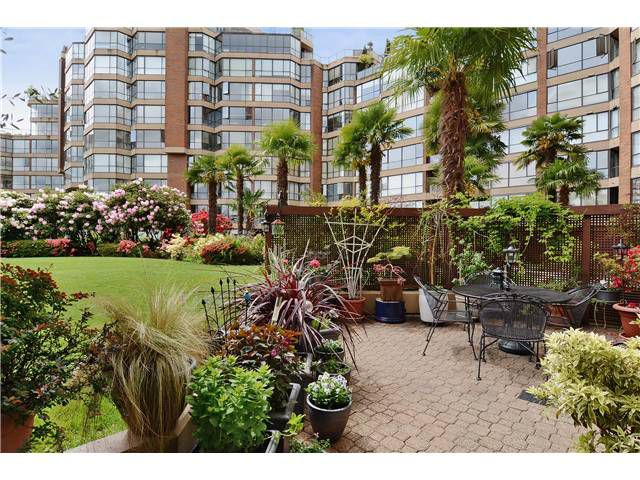 Main Photo: # 108 1450 PENNYFARTHING DR in Vancouver: False Creek Condo for sale (Vancouver West)  : MLS®# V1007865