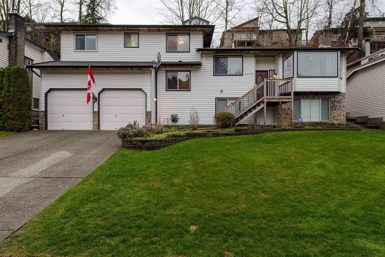 """Main Photo: 2319 WOODSTOCK Drive in Abbotsford: Abbotsford East House for sale in """"McMillan"""" : MLS®# R2236785"""