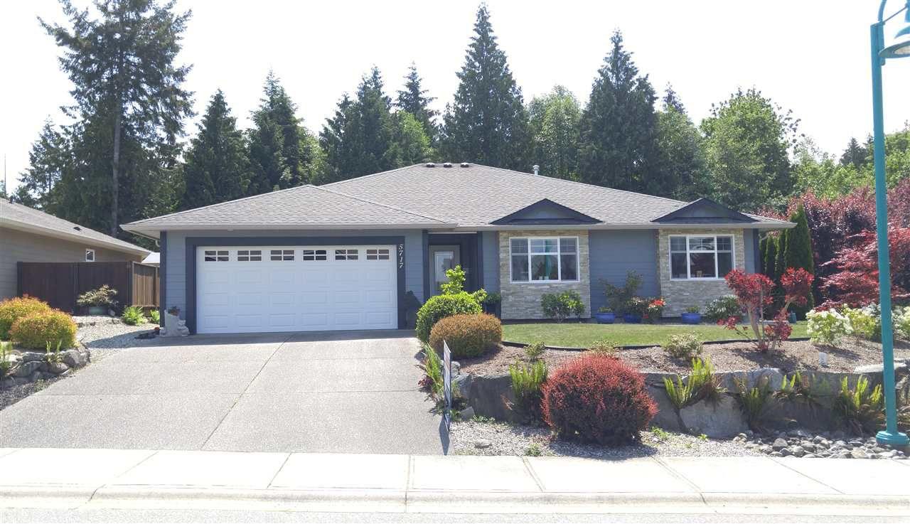 Main Photo: 5717 GENNI'S Way in Sechelt: Sechelt District House for sale (Sunshine Coast)  : MLS®# R2268678