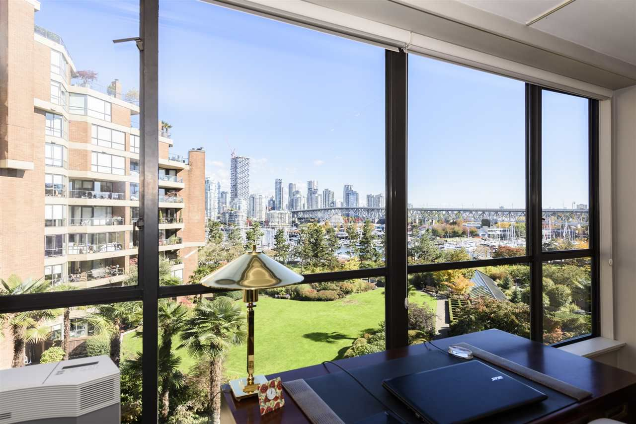 """Main Photo: 507 1470 PENNYFARTHING Drive in Vancouver: False Creek Condo for sale in """"HARBOUR COVE"""" (Vancouver West)  : MLS®# R2314089"""