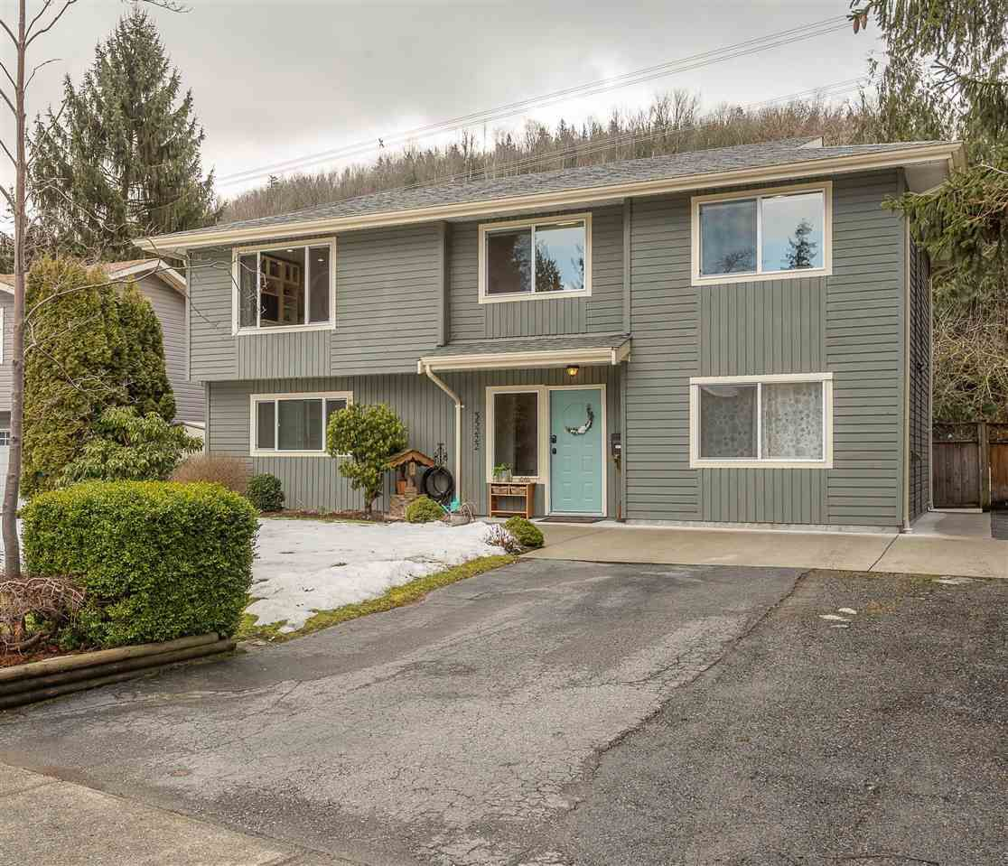 Main Photo: 35222 WELLS GRAY Avenue in Abbotsford: Abbotsford East House for sale : MLS®# R2348891
