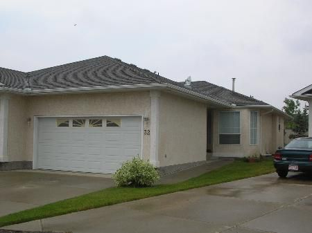 Main Photo: 1089 sq.ft. Bungalow Condo -Adult Condo Complex