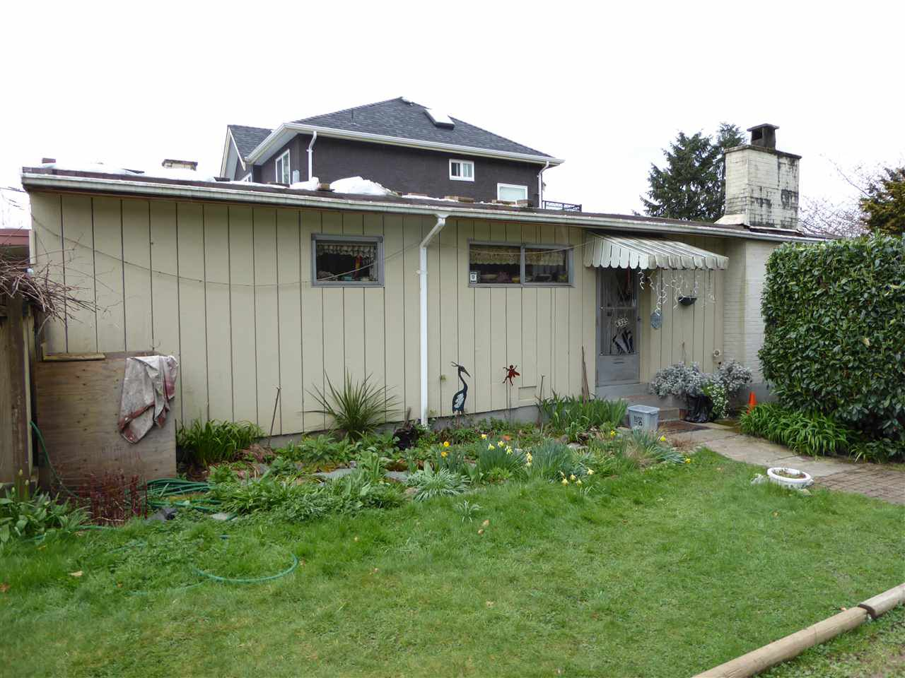 Main Photo: 4325 PENTICTON Street in Vancouver: Collingwood VE House for sale (Vancouver East)  : MLS®# R2049414