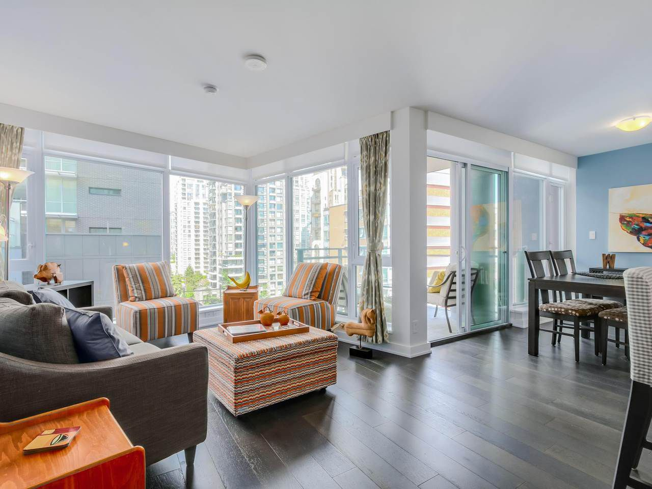 """Main Photo: 905 1372 SEYMOUR Street in Vancouver: Downtown VW Condo for sale in """"THE MARK"""" (Vancouver West)  : MLS®# R2077192"""