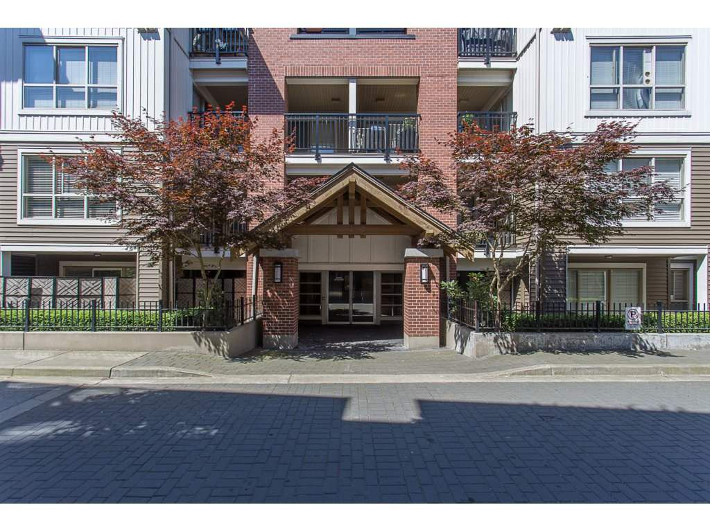 """Main Photo: C209 8929 202ND Street in Langley: Walnut Grove Condo for sale in """"THE GROVE"""" : MLS®# R2183323"""