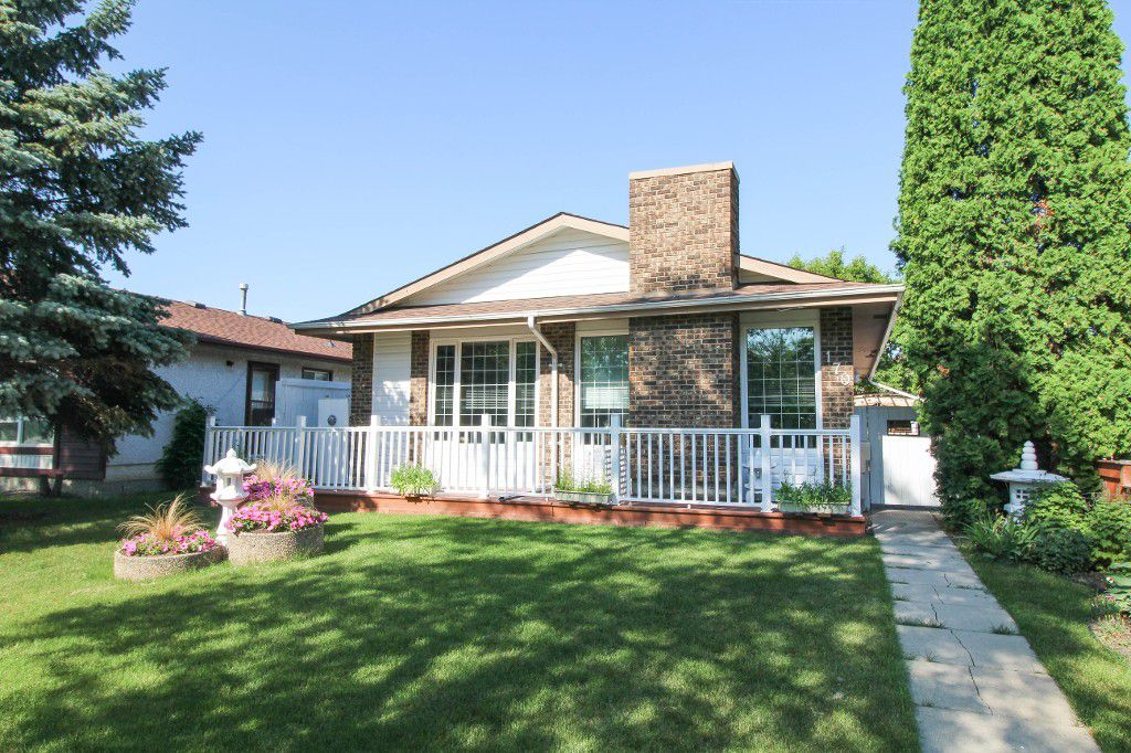 Main Photo: River Park South Bungalow - Winnipeg Real Estate For Sale