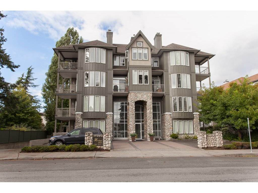 Main Photo: 301 5475 201 STREET in : Langley City Condo for sale (Langley)  : MLS®# R2207338