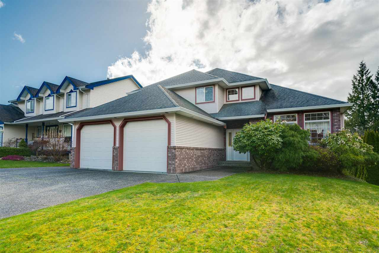 Main Photo: 3933 PARADISE Place in Abbotsford: Abbotsford East House for sale : MLS®# R2255965
