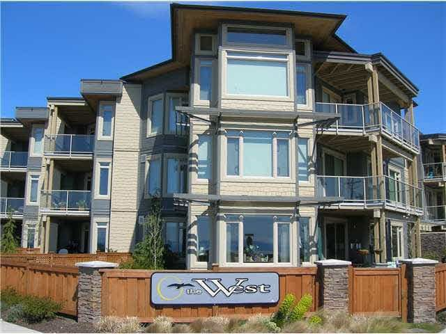 Main Photo:  in Sechelt: Sechelt District Condo for sale (Sunshine Coast)  : MLS®# R2275306