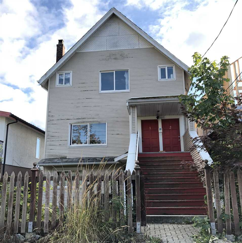 Main Photo: 1064 E 13TH Avenue in Vancouver: Mount Pleasant VE House for sale (Vancouver East)  : MLS®# R2306613
