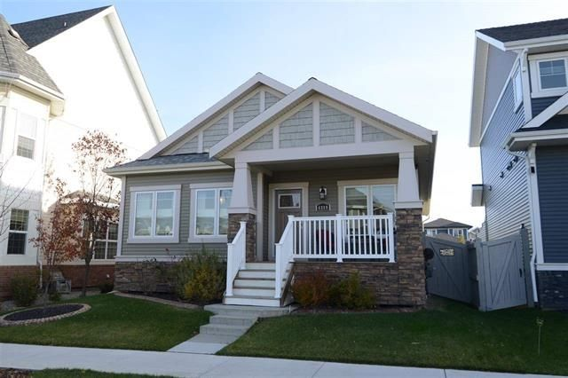 Main Photo: 4319 VETERANS Way in Edmonton: Zone 27 House for sale : MLS®# E4133935