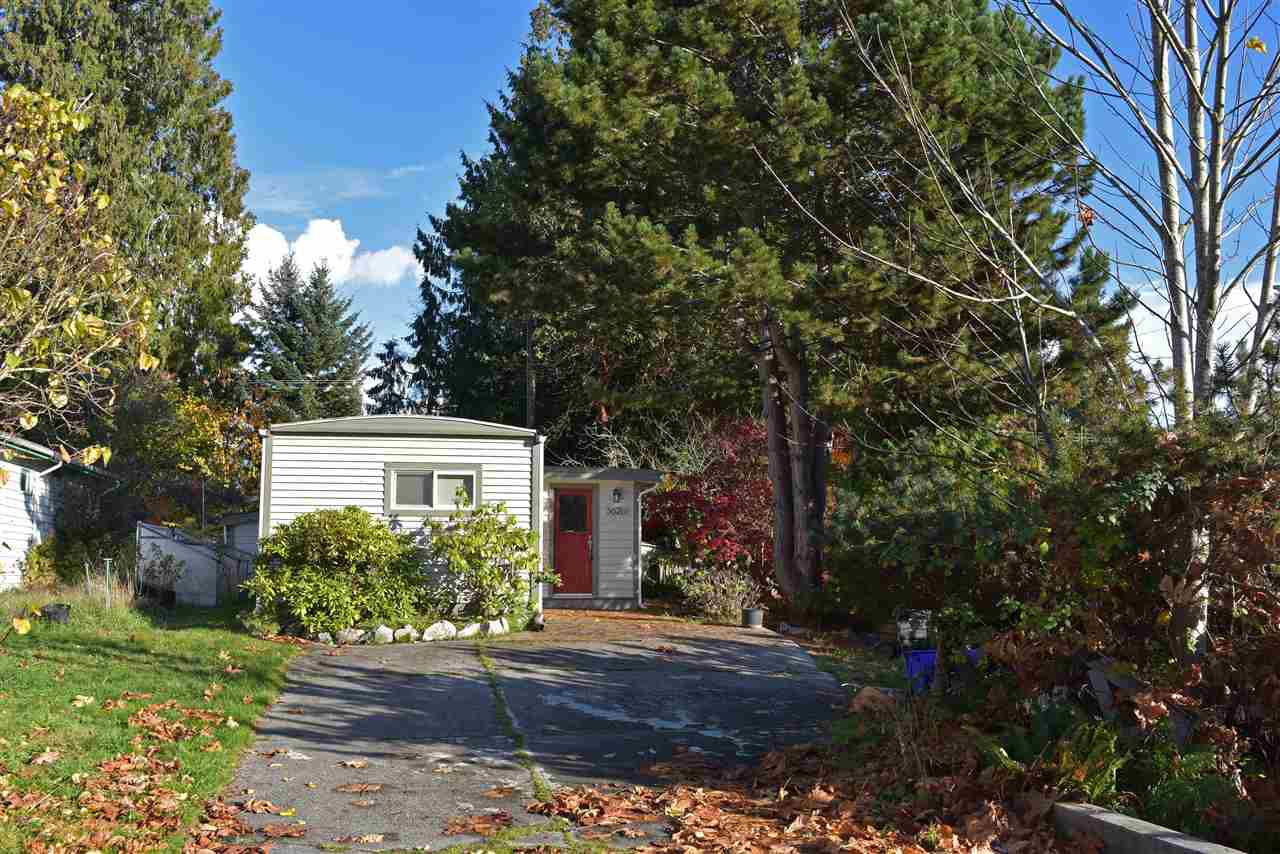 Main Photo: 5626 CREEKSIDE Place in Sechelt: Sechelt District Manufactured Home for sale (Sunshine Coast)  : MLS®# R2318718