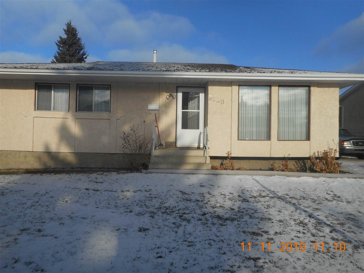 Main Photo: 3220 138 Avenue in Edmonton: Zone 35 House for sale : MLS®# E4135728