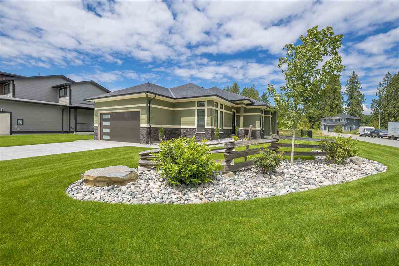 """Main Photo: 52758 STONEWOOD Place in Rosedale: Rosedale Popkum House for sale in """"STONEWOOD"""" : MLS®# R2329109"""