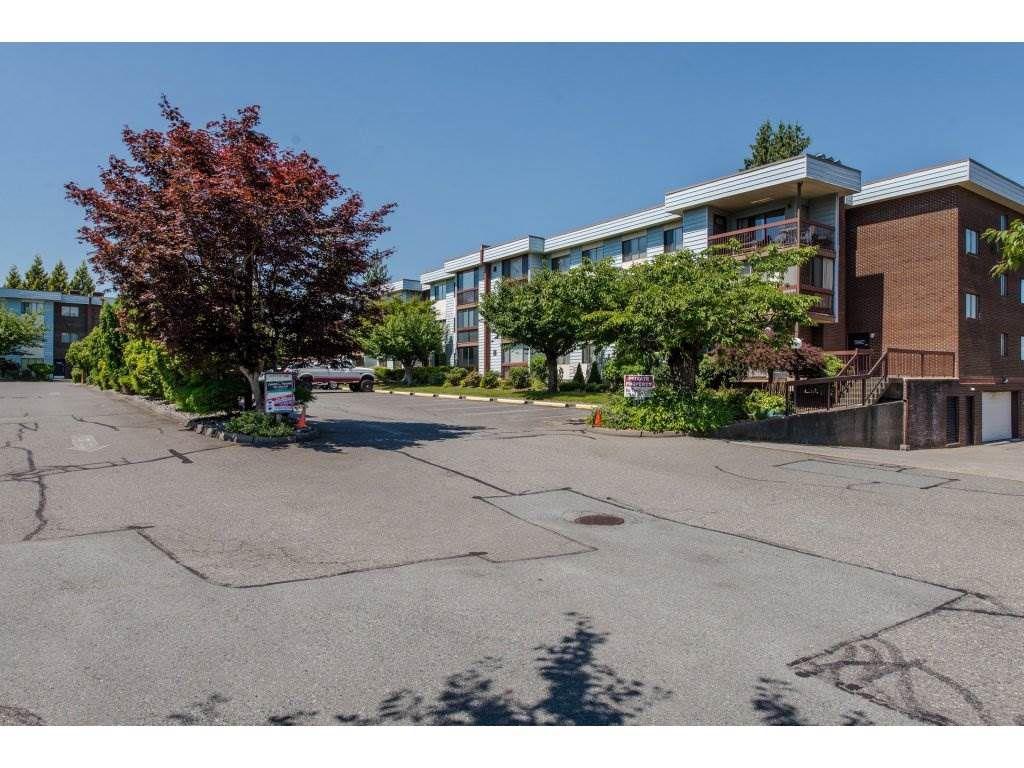 "Main Photo: 128 2279 MCCALLUM Road in Abbotsford: Central Abbotsford Condo for sale in ""Alameda Court"" : MLS®# R2334988"