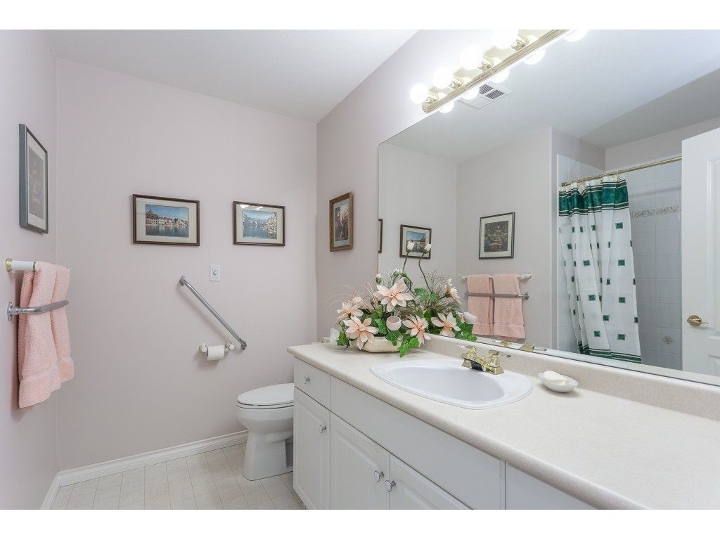 """Photo 15: Photos: 23 30703 BLUERIDGE Drive in Abbotsford: Abbotsford West Townhouse for sale in """"Westsyde Park"""" : MLS®# R2357521"""