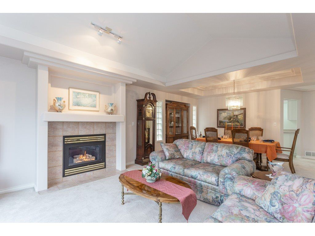 """Photo 5: Photos: 23 30703 BLUERIDGE Drive in Abbotsford: Abbotsford West Townhouse for sale in """"Westsyde Park"""" : MLS®# R2357521"""