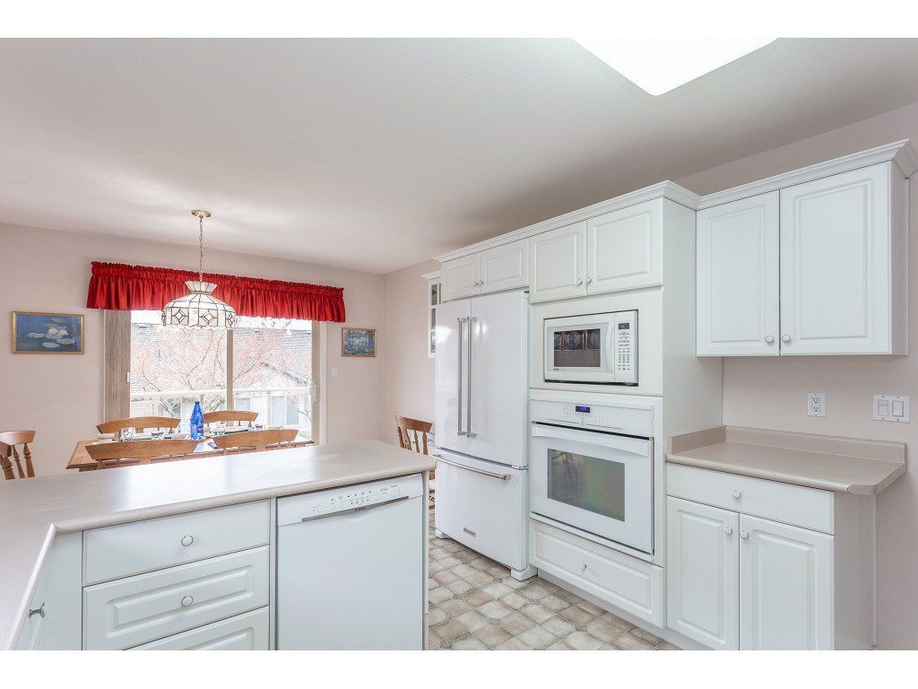 """Photo 9: Photos: 23 30703 BLUERIDGE Drive in Abbotsford: Abbotsford West Townhouse for sale in """"Westsyde Park"""" : MLS®# R2357521"""