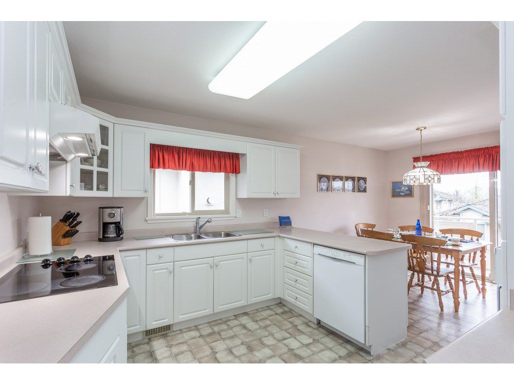 """Photo 8: Photos: 23 30703 BLUERIDGE Drive in Abbotsford: Abbotsford West Townhouse for sale in """"Westsyde Park"""" : MLS®# R2357521"""