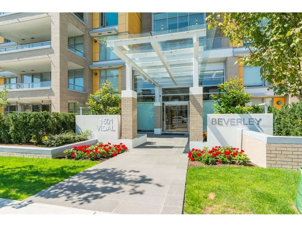 "Main Photo: 403 1501 VIDAL Street: White Rock Condo for sale in ""THE BEVERLY"" (South Surrey White Rock)  : MLS®# R2372385"