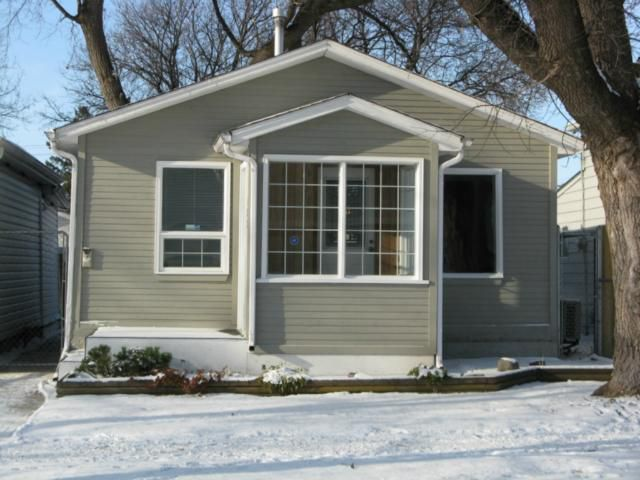 Main Photo: 123 Youville Street in WINNIPEG: St Boniface Residential for sale (South East Winnipeg)  : MLS®# 1122946