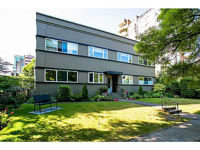 """Main Photo: 10 2296 W 39TH Avenue in Vancouver: Kerrisdale Condo for sale in """"KERRISDALE CREST"""" (Vancouver West)  : MLS®# V1036548"""