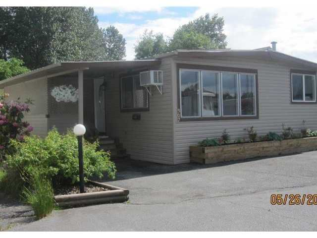 "Main Photo: 307 201 CAYER Street in Coquitlam: Maillardville Manufactured Home  in ""WILDWOOD PARK"" : MLS®# V1068018"