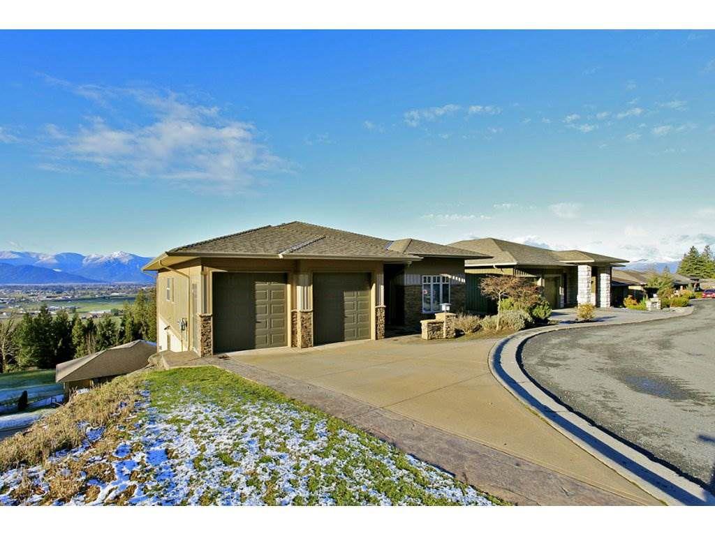 "Main Photo: 125 51075 FALLS Court in Chilliwack: Eastern Hillsides House for sale in ""EMERALD RIDGE"" : MLS®# R2081093"