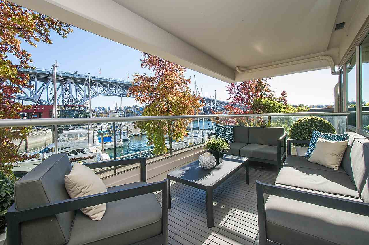 """Main Photo: 204 1600 HORNBY Street in Vancouver: Yaletown Condo for sale in """"YACHT HARBOUR POINTE"""" (Vancouver West)  : MLS®# R2135556"""