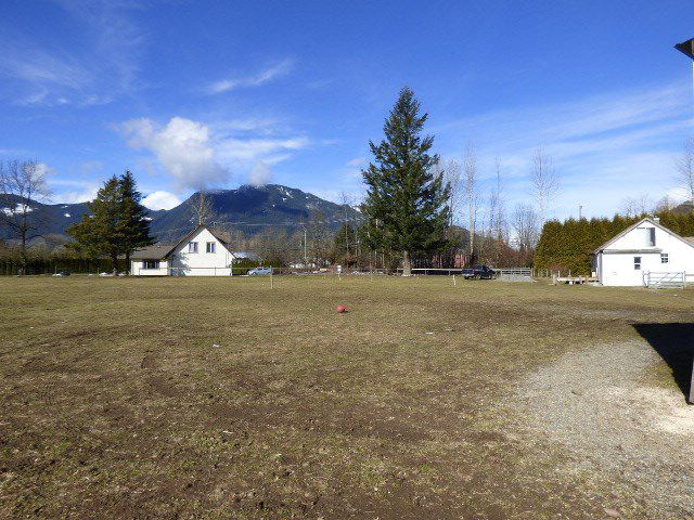 Main Photo: 6344 PIONEER Avenue: Agassiz House for sale : MLS®# R2140741