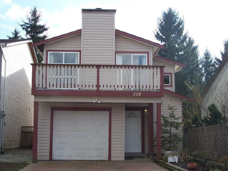 Main Photo: 218 DAVIS Crest in Langley: Home for sale : MLS®# F2730743