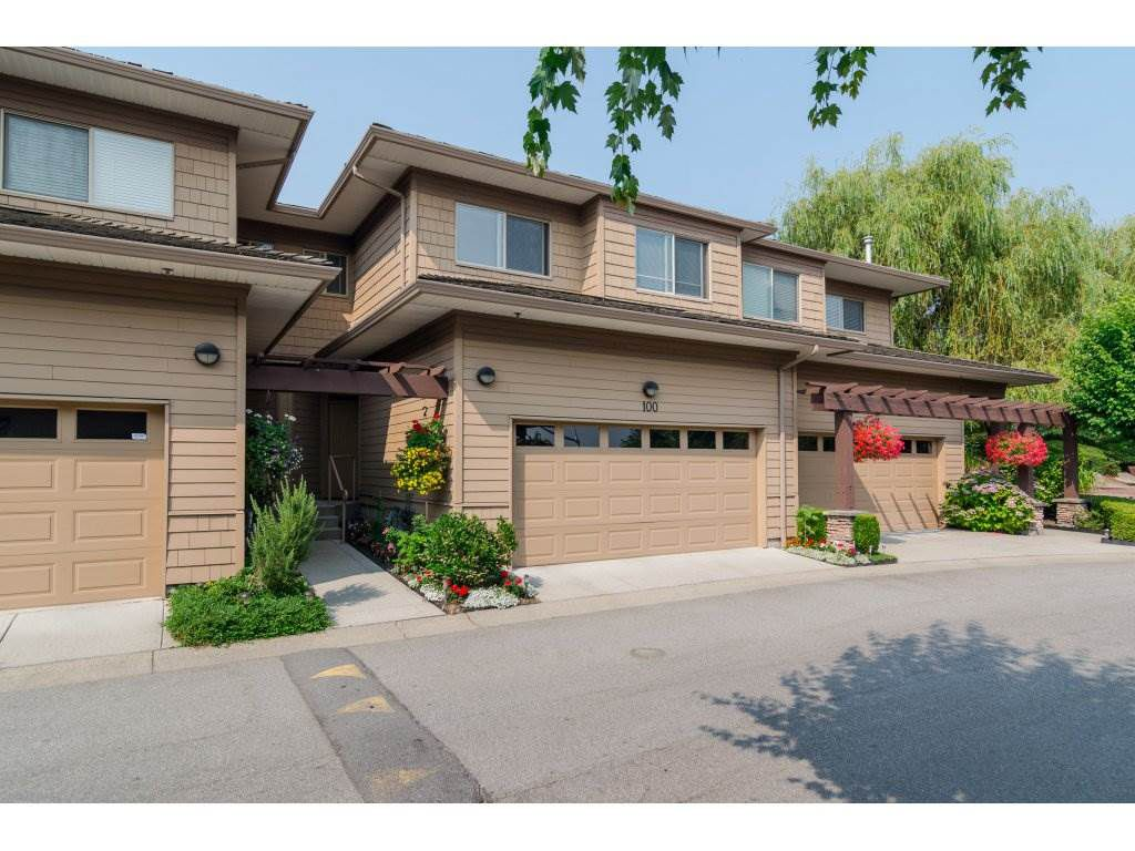 """Main Photo: 100 16655 64TH Avenue in Surrey: Cloverdale BC Townhouse for sale in """"Ridgewoods"""" (Cloverdale)  : MLS®# R2194247"""