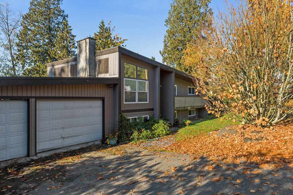 """Main Photo: 14628 SOUTHVIEW Drive in Surrey: Sullivan Station House for sale in """"PANORAMA RIDGE east side"""" : MLS®# R2214798"""