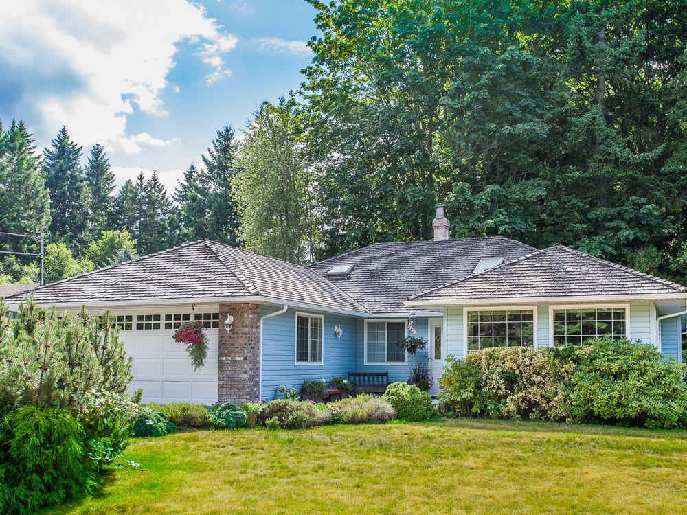 Main Photo: 630 Yambury Rd in Qualicum Beach: House for sale : MLS®# 378843