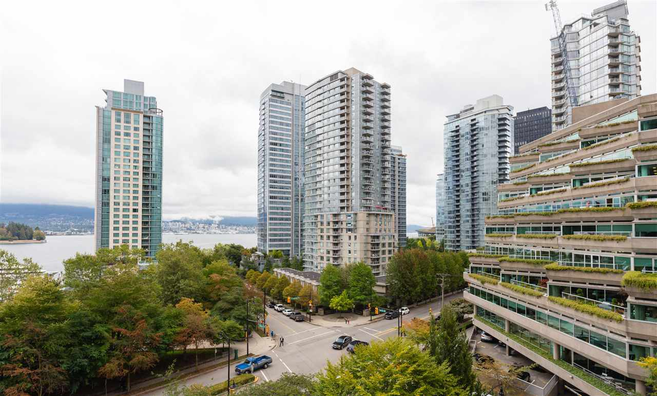 "Main Photo: 706 555 JERVIS Street in Vancouver: Coal Harbour Condo for sale in ""Harbourside Park"" (Vancouver West)  : MLS®# R2307295"