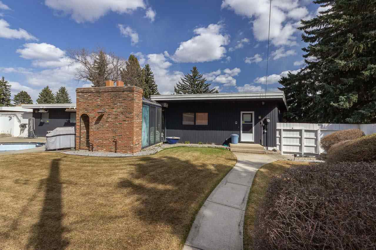 Main Photo: 10 LAURIER Place in Edmonton: Zone 10 House for sale : MLS®# E4134964