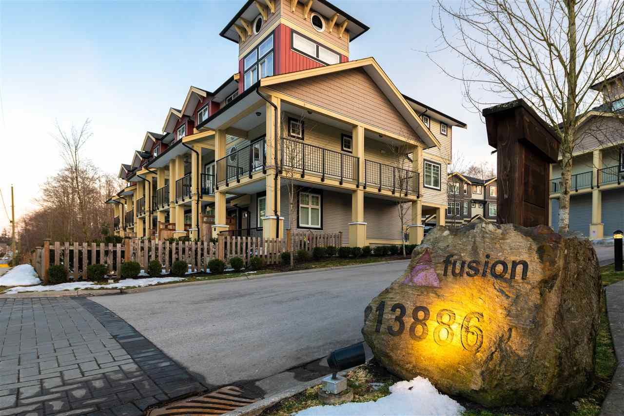 "Main Photo: 19 13886 62 Avenue in Surrey: Sullivan Station Townhouse for sale in ""Fusion"" : MLS®# R2343165"