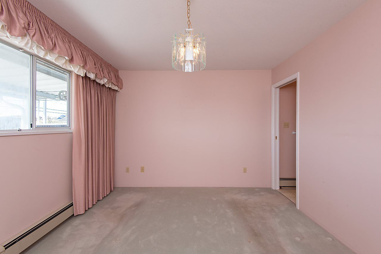 Photo 12: Photos: 4428 FRANCES Street in Burnaby: Willingdon Heights House for sale (Burnaby North)  : MLS®# R2354309
