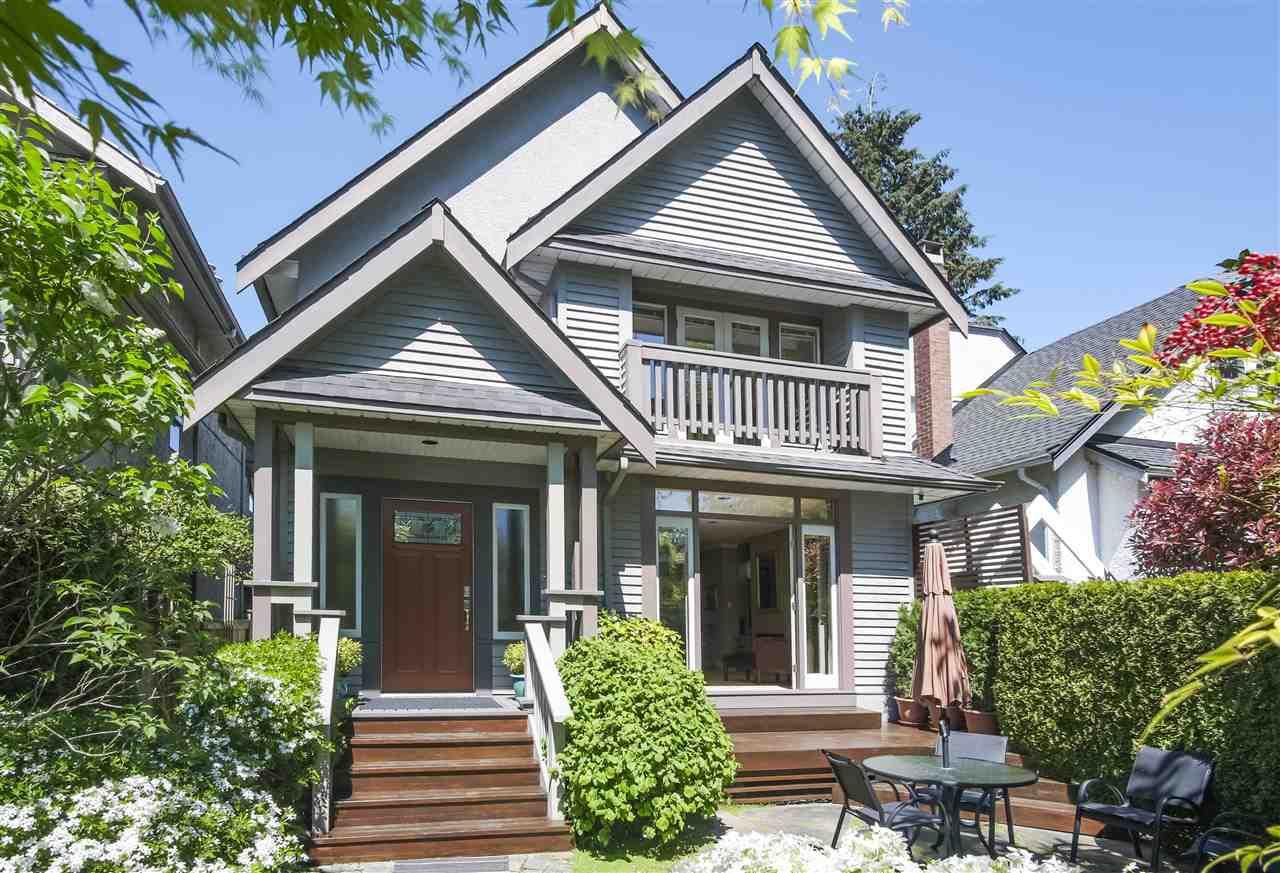 "Main Photo: 3389 W 2ND Avenue in Vancouver: Kitsilano House 1/2 Duplex for sale in ""Kitsilano"" (Vancouver West)  : MLS®# R2368470"