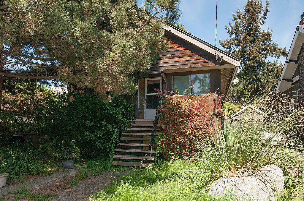Main Photo: 2497 W 7TH Avenue in Vancouver: Kitsilano House for sale (Vancouver West)  : MLS®# V1124042