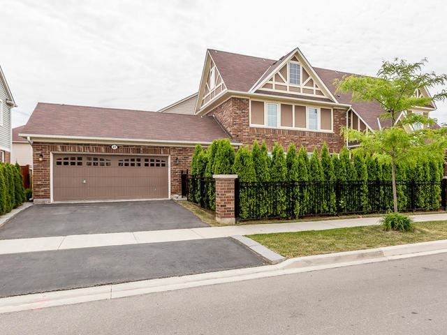 Main Photo: 27 Dulverton Drive in Brampton: Northwest Brampton House (2-Storey) for sale : MLS®# W3530749