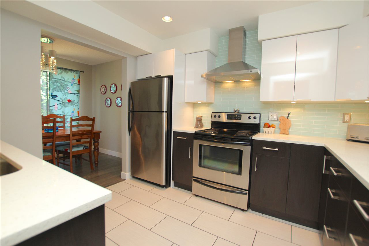 """Main Photo: 306 CARDIFF Way in Port Moody: College Park PM Townhouse for sale in """"EAST HILL"""" : MLS®# R2096085"""