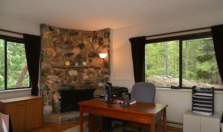 "Photo 11: Photos: 11808 SUNSHINE COAST Highway in Pender Harbour: Halfmn Bay Secret Cv Redroofs House for sale in ""MIDDLEPOINT"" (Sunshine Coast)  : MLS®# R2102704"