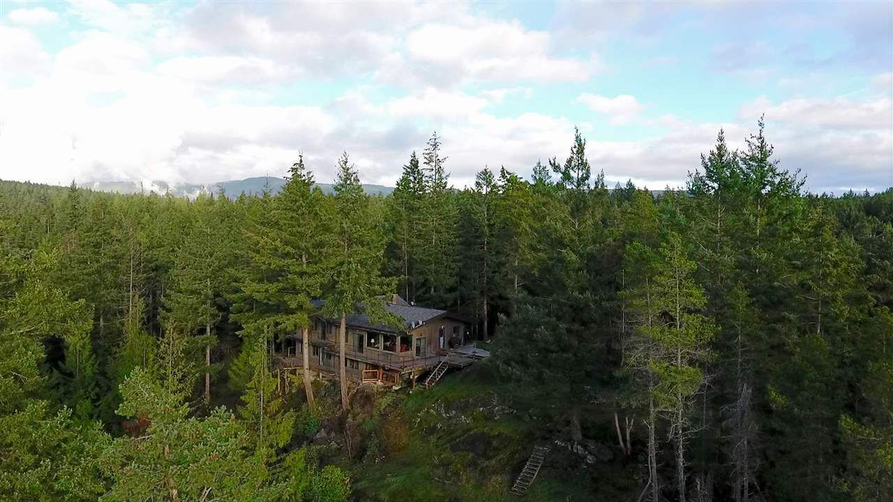 "Photo 2: Photos: 11808 SUNSHINE COAST Highway in Pender Harbour: Halfmn Bay Secret Cv Redroofs House for sale in ""MIDDLEPOINT"" (Sunshine Coast)  : MLS®# R2102704"