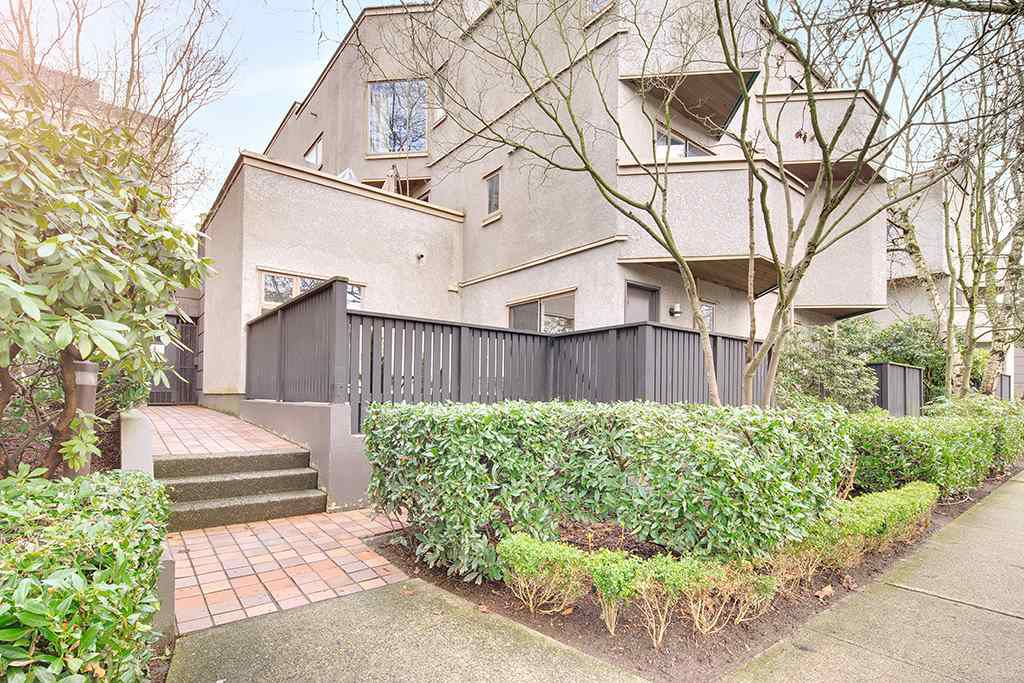 Main Photo: 3 870 W 7TH Avenue in Vancouver: Fairview VW Condo for sale (Vancouver West)  : MLS®# R2144155